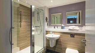 Carousel Item 4: Garden Lodge bathroom at Bodelwyddan Castle Hotel