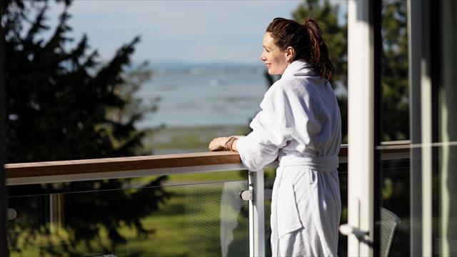 Singles Holidays UK | Warner Leisure Hotels